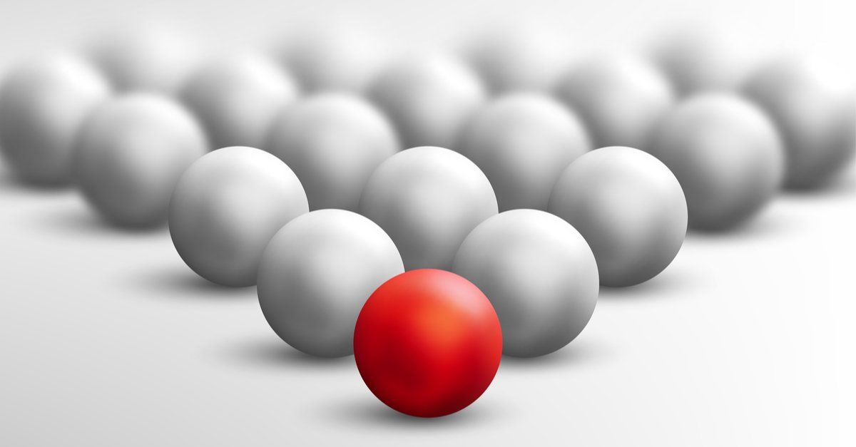 White set of snooker balls in triangle shape with red ball at front